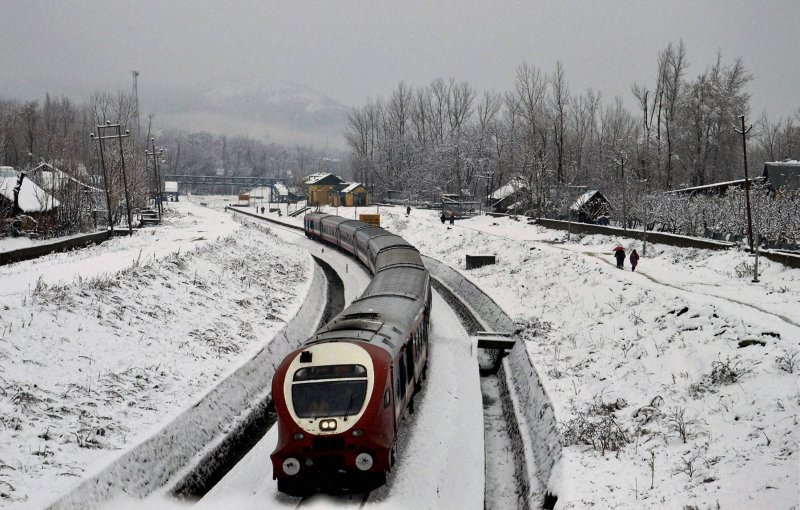 The Snow - Qazigund to Baramulla