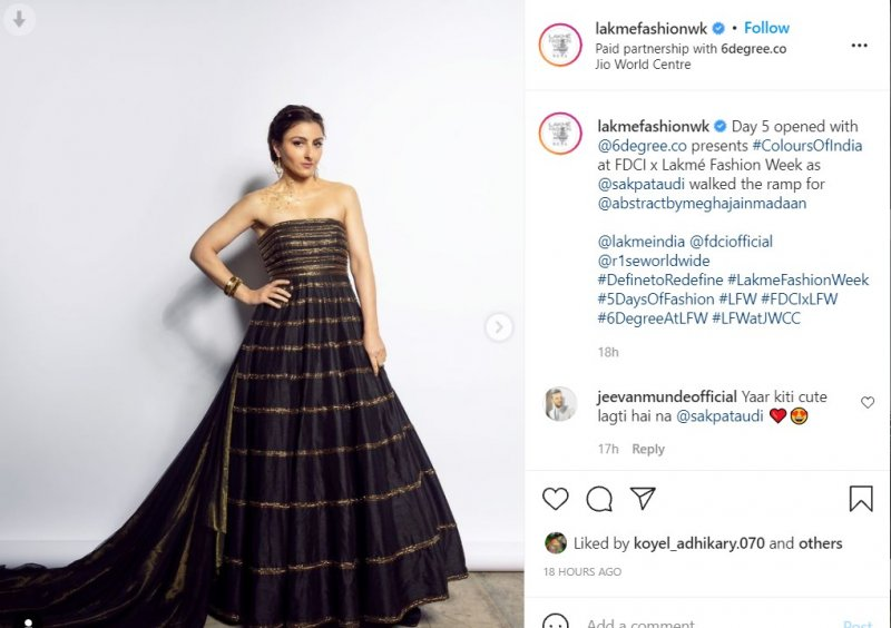 Soha Ali Khan looked absolutely stunning on the ramp at the Lakme Fashion Week 2021