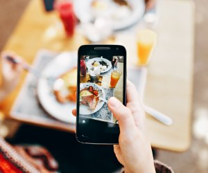 Shun away those phones for a good dinner: Research Reveals