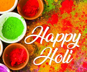 Best Happy Holi 2020 WhatsApp Status Videos for free download, create magic and enjoy with family