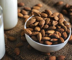 Health Benefits of consuming Almonds !!