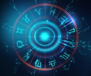 Horoscope Today: August 04, Tuesday Daily Horoscope by Astrologer Manisha Koushik