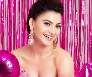 Actress Urvashi Rautela p