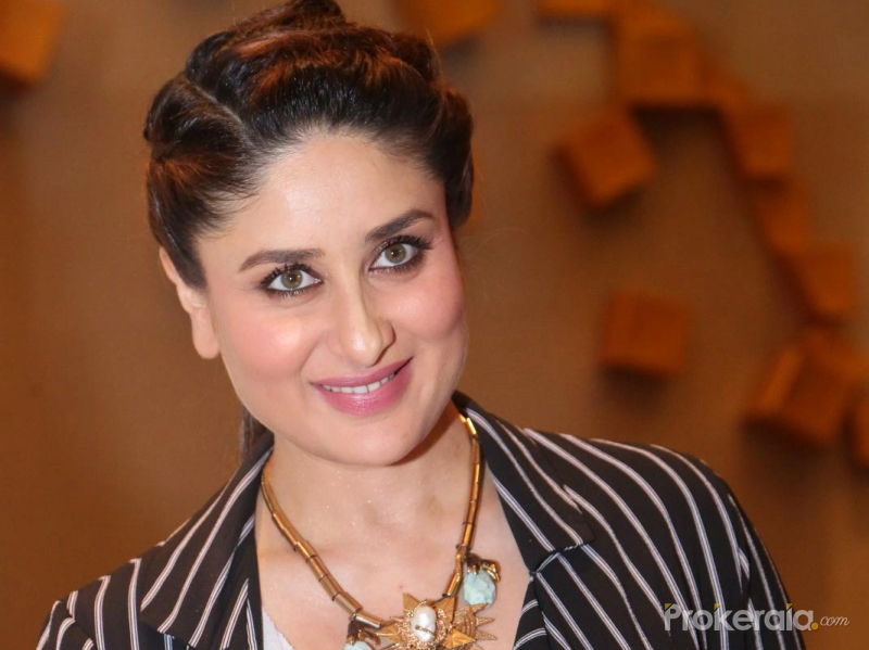 Spotted At Work: Kareena Kapoor And A Cute Baby Bump