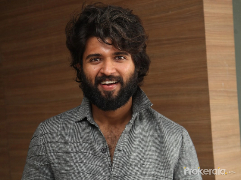 Vijay Deverakonda join Dear Comrade Movie Trailer launch