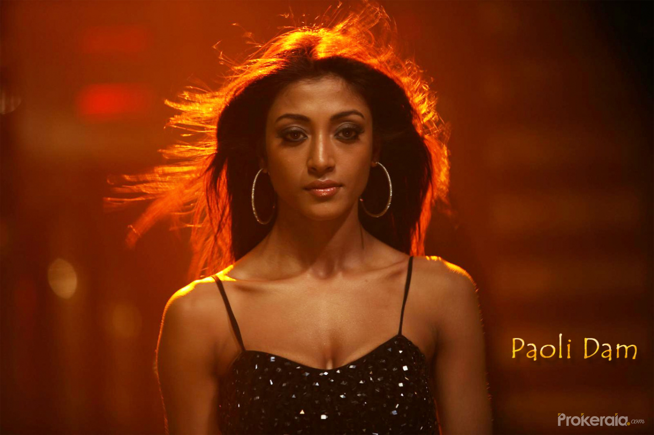 Heroine Of Hate Story 4: Download Hot And Sexy Paoli Dam Wallpapers