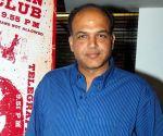Ashutosh Gowariker roped