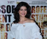 Pooja Batra looks gorgeous in a turban, bringing it in vogue