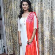 Priya Anand Photo