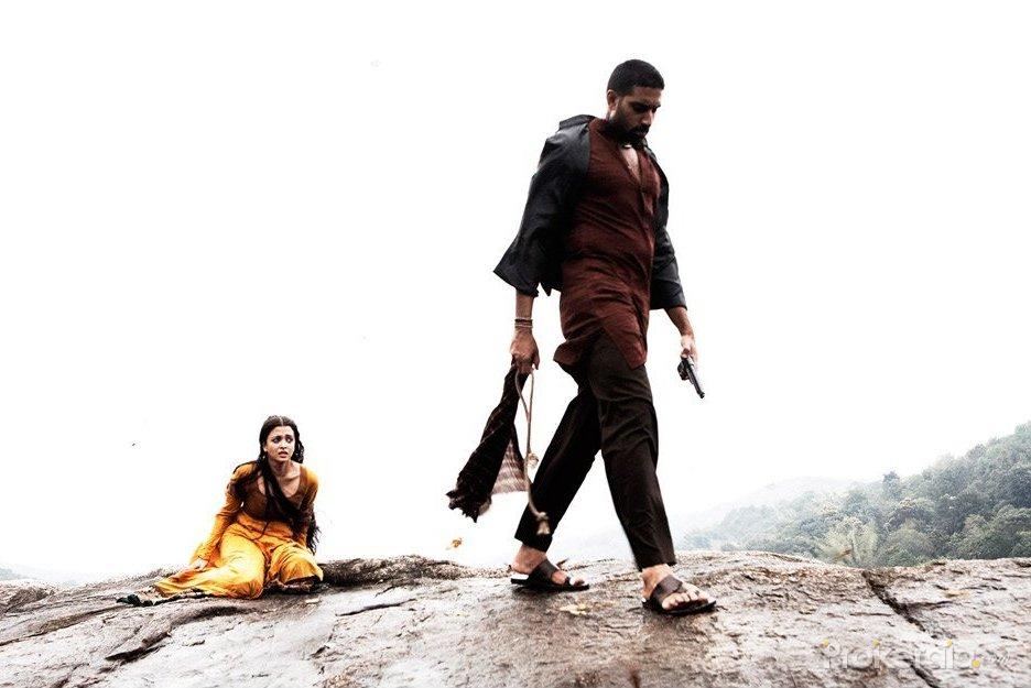 Aishwarya rai and abhishek bachchan in raavan movie still 31 download wallpaper nvjuhfo Images