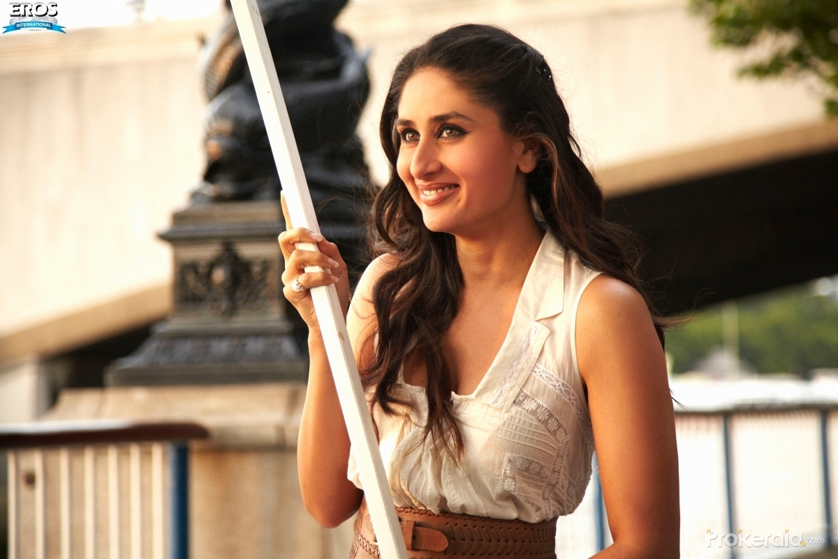 kareena kapoor in ra.one movie still # 2