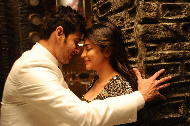 Cool Wallpaper Movie Romantic - mahesh-babu-and-shruti-hassan-romantic-in-telugu-movie-srimanthudu-44590  2018_968077.jpg
