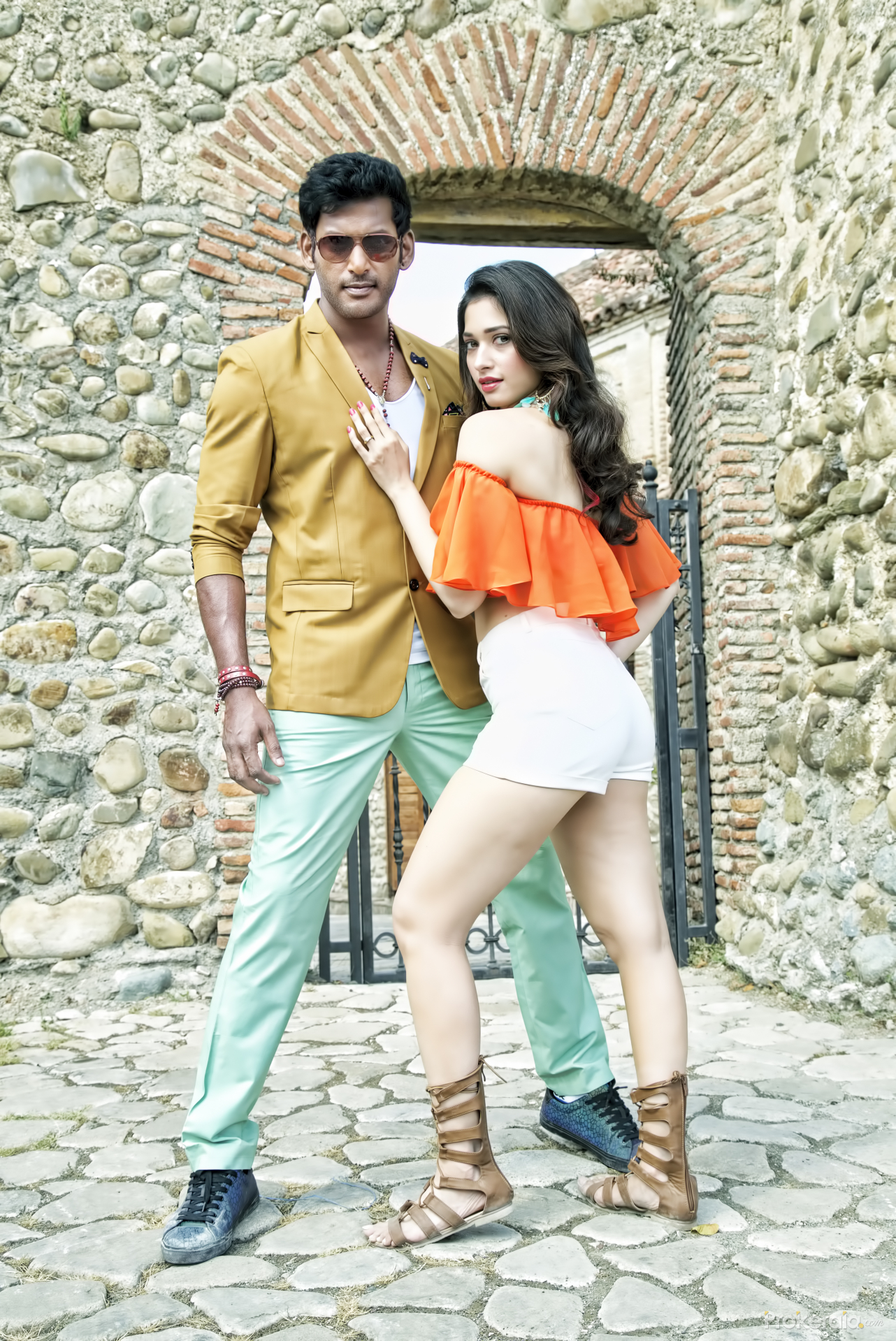okkadochadu and kaththi sandai movie still still # 6