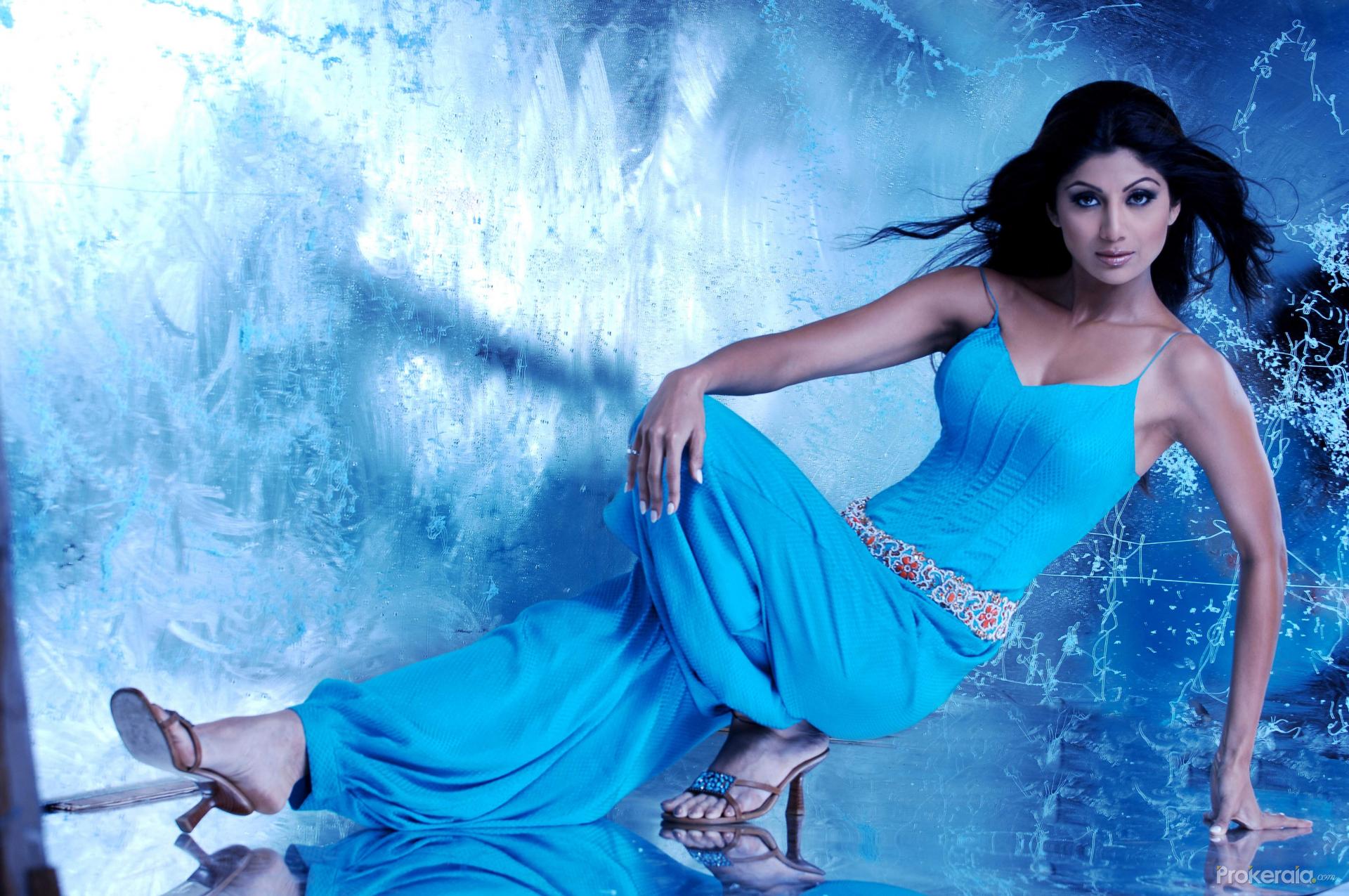 Download Shilpa Shetty Wallpaper  2  Hd Shilpa Shetty Wallpaper  2-3713
