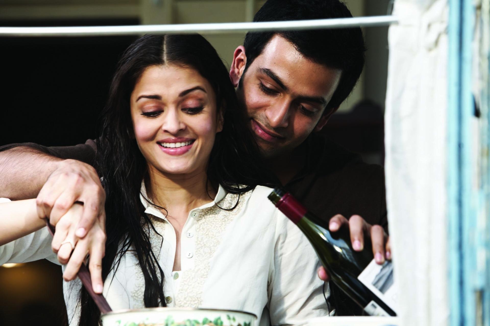 Aishwarya rai and abhishek bachchan in raavan movie still 31 raavan wallpapers nvjuhfo Images