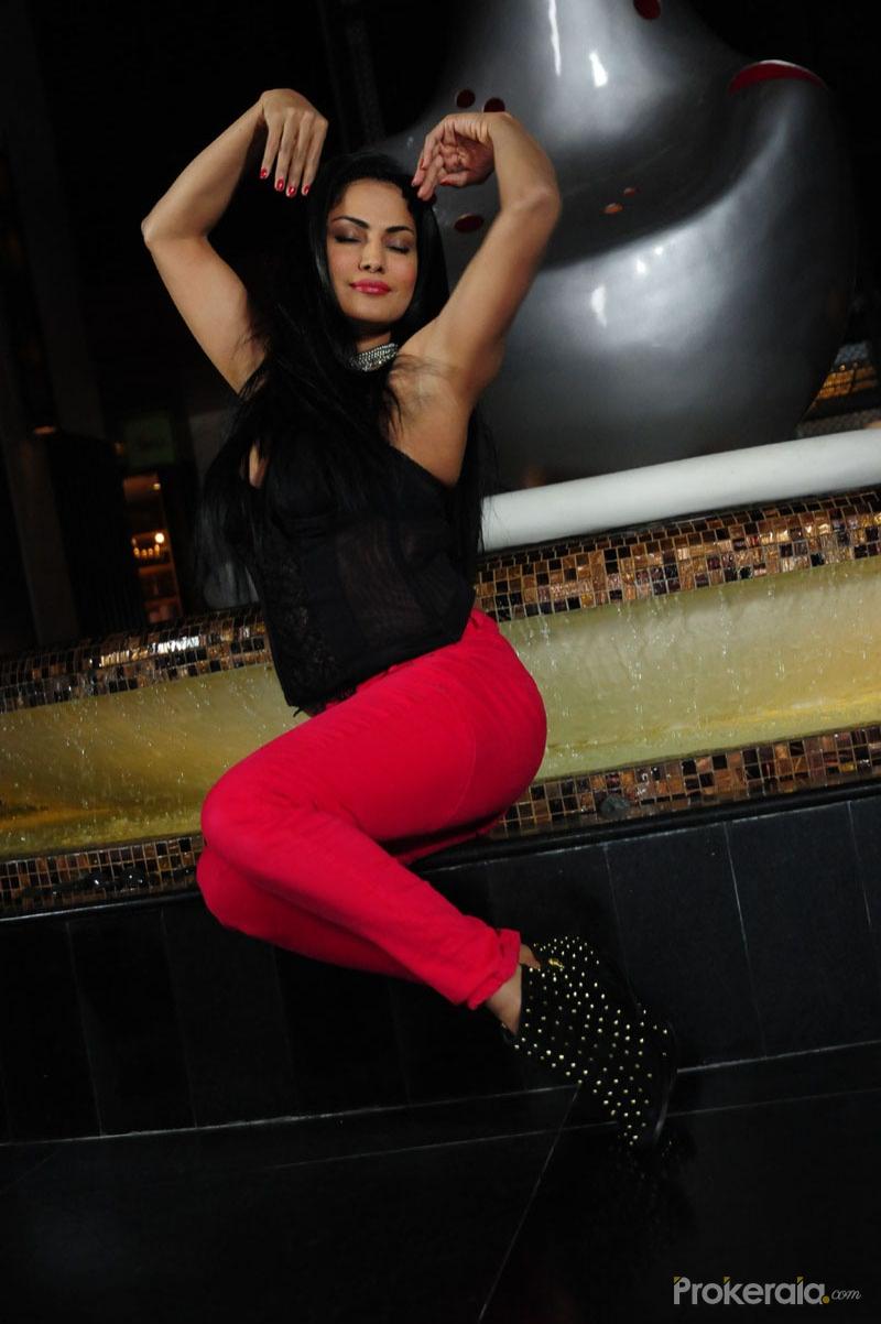 Veena Malik In Movie Nagnasatyam Still 6