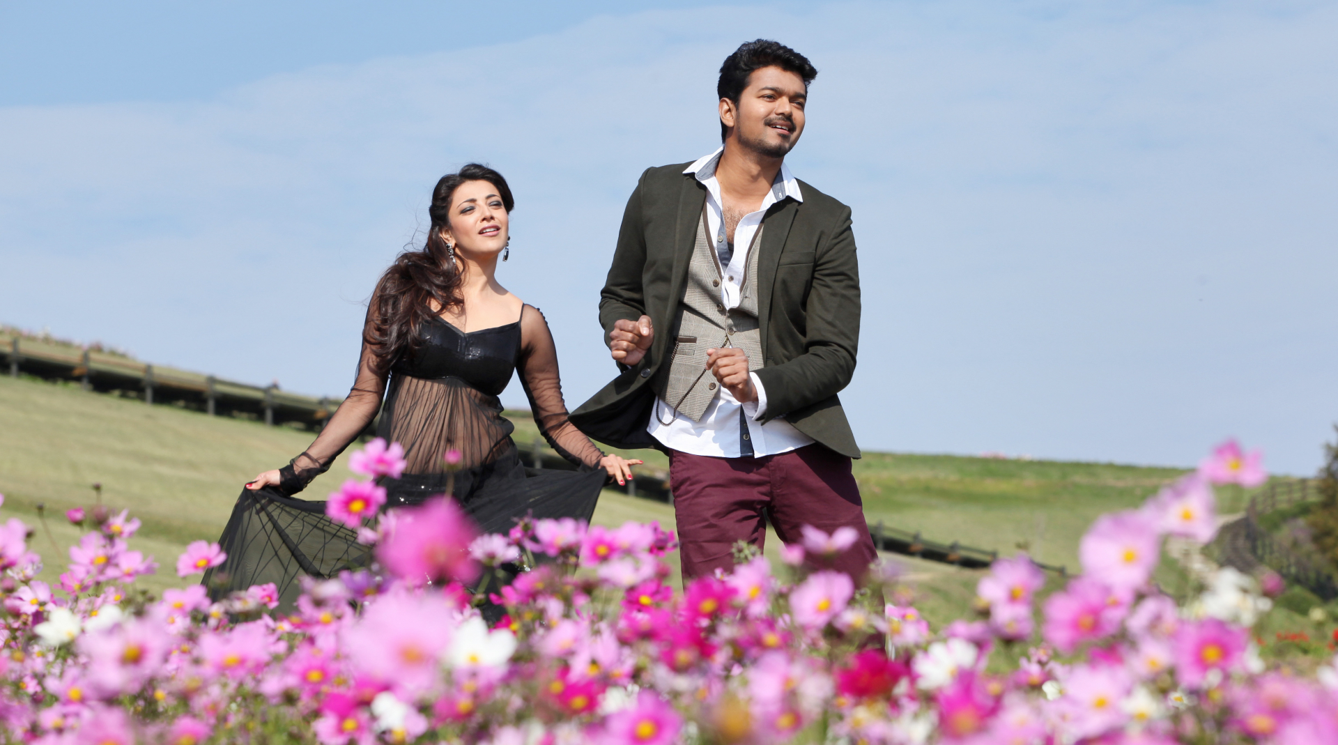 Vijay and kajal aggarwal in movie jilla still 35 download wallpaper altavistaventures Choice Image
