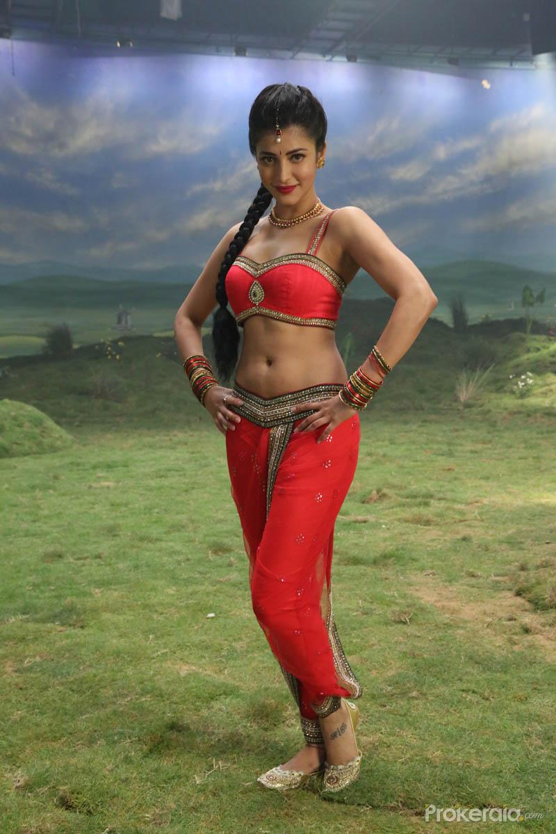 shruti haasan in poojai movie wallpaper