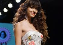 Disha Patani Walks On Ramp For Ritu Kumar At LFW Winter 2017