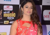 Poonam Bajwa @ Mirchi Music Awards 2016