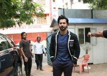 Varun Dhawan at the launch of Amish Tripati's new book Suheldev