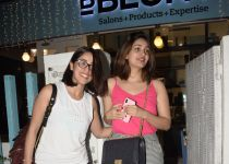 Yami Gautam and  sister Surilie spotted at Bblunt khar