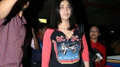 Shruti Haasan Spotted At Airport