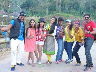 Santhoshathil kalavaram movie still