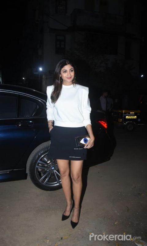 Shilpa Shetty Spotted At Mizu Restaurant In Bandra