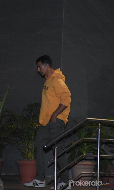 Actor Akshay Kumar at hinduja hospital.