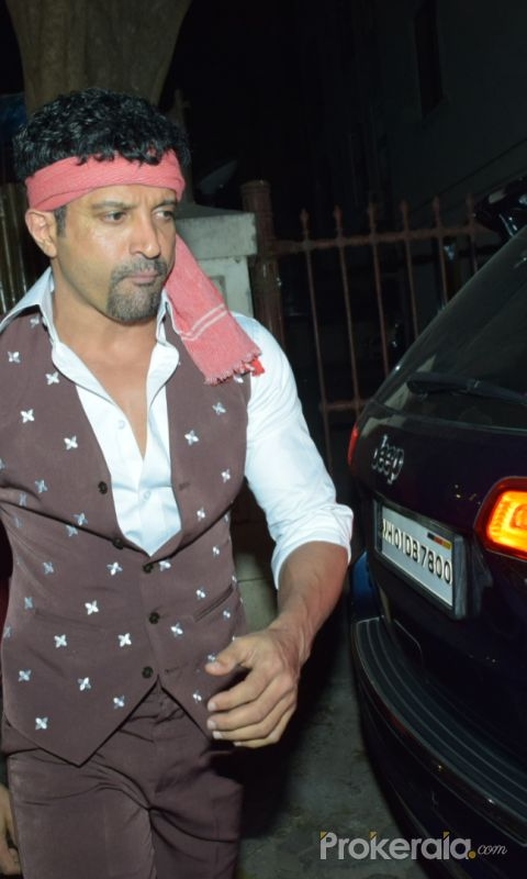 Actor Farhan Akhtar attend Javed Akhtar birthday party at juhu.