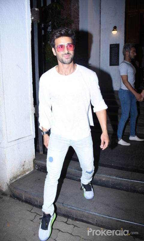 Actor Pulkit Samrat spotted at ministry of crabs in bandra