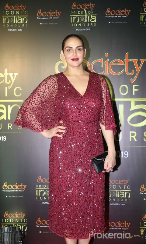 Actress Esha Deol during Society Awards at Taj Santacruz.