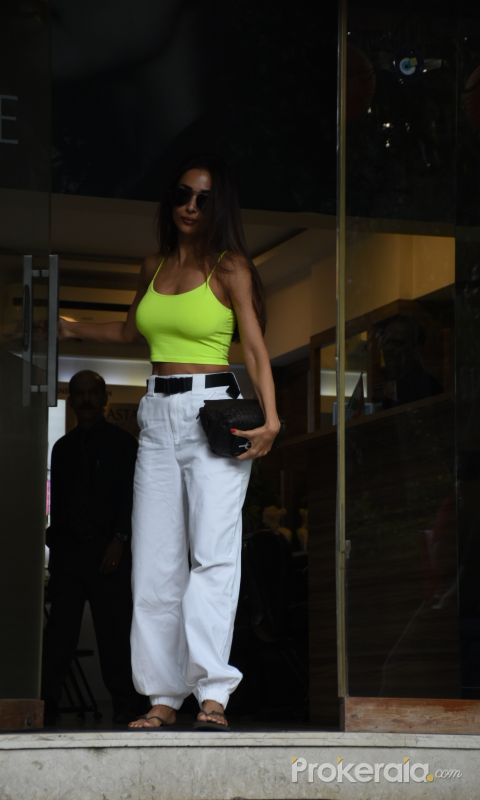 Actress  Malaika Arora came out from salon in bandra