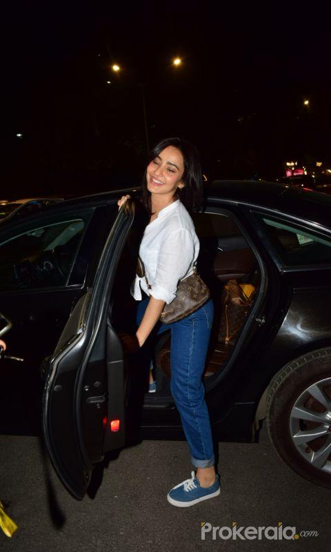 Actress Neha Sharma's vist at Kromakay salon