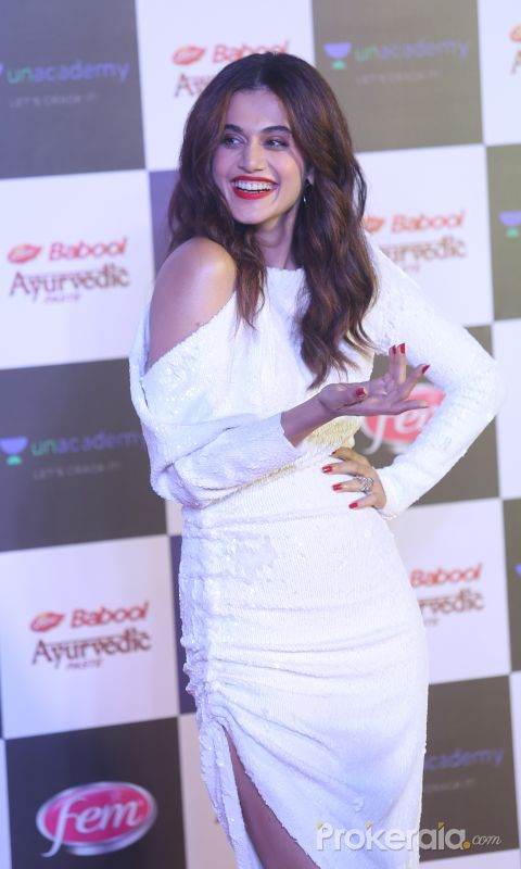 Actress Tapsee Pannu in Star Screen Awards at BKC.
