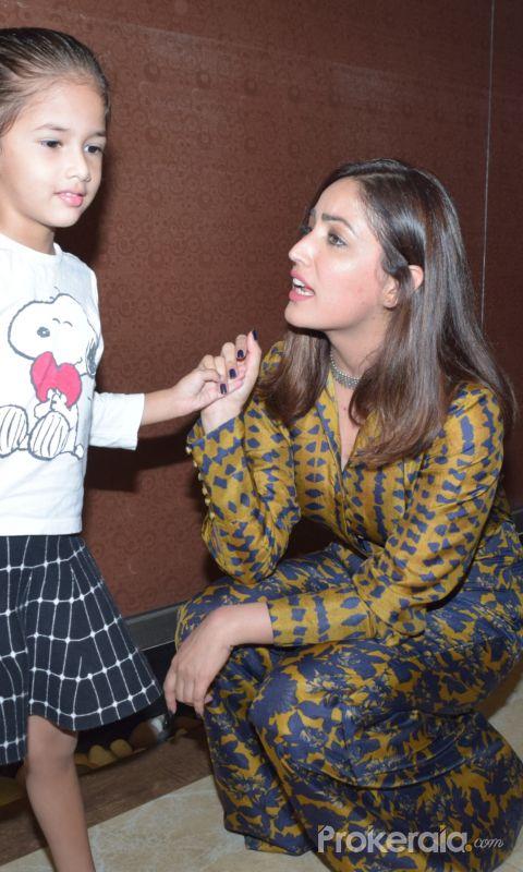 Actress Yami Gautam Talking to Baby Girl Special screening of Bala at andheri