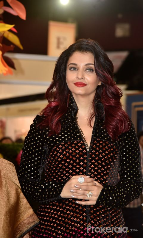 Aishwarya Rai Bachchan Inaugurate The Women Entrepreneurs' Exhibition 2018