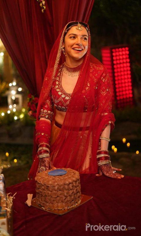 Divya Khosla Kumar Celebrates Her Birthday On The Sets Of Satyamevajayate 2