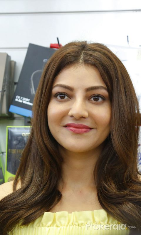Grand Launch of HAPPI MOBILES 57th Store at VizagLaunching by Tollywood Actress Kajal Agarwal