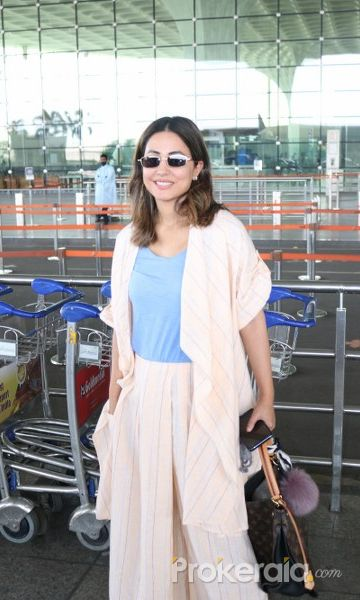 Hina Khan Spotted At Airport Departure