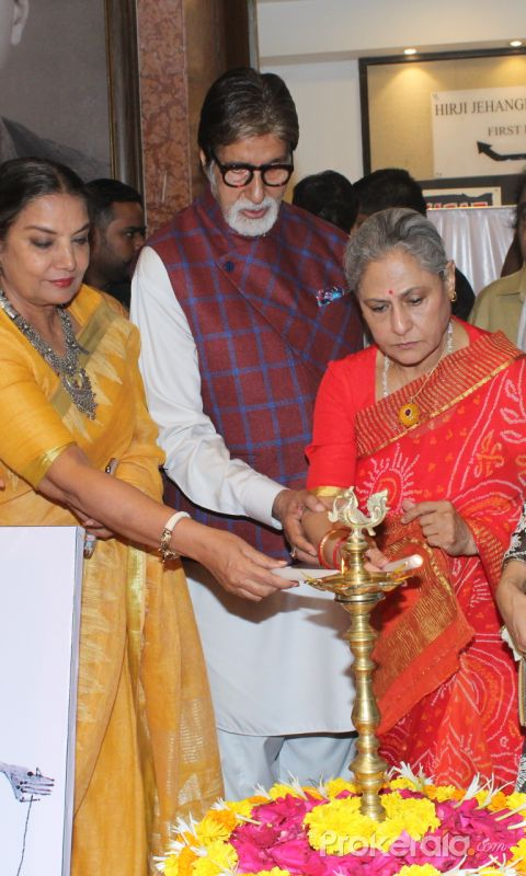 Amitabh Bachchan, Jaya Bachchan, Kiara Advani, Shabana Azmi and Javed Akhtar at the inauguration of Aditiya Singh's exhibit