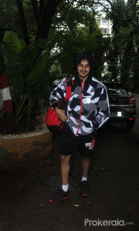 Ishaan khattar spotted at bandra