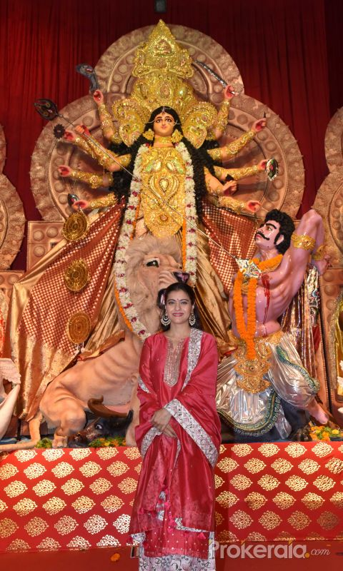 Kajol at Durga Puja in juhu