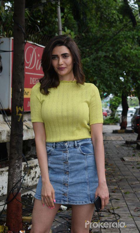 Karishma Tanna spotted at kromakey juhu