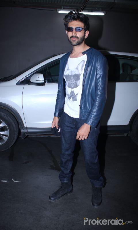 Kartik Aryan Spotted At Airport Arrival