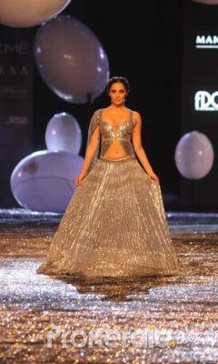 Kiara Advani Turns Showstopper For Manish Malhotra