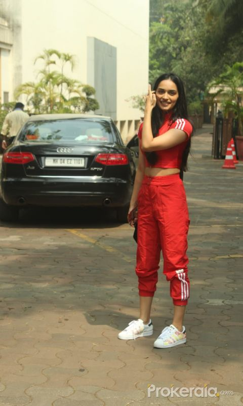 Manushi Chhillar Spotted At Yashraj Studio In Andheri