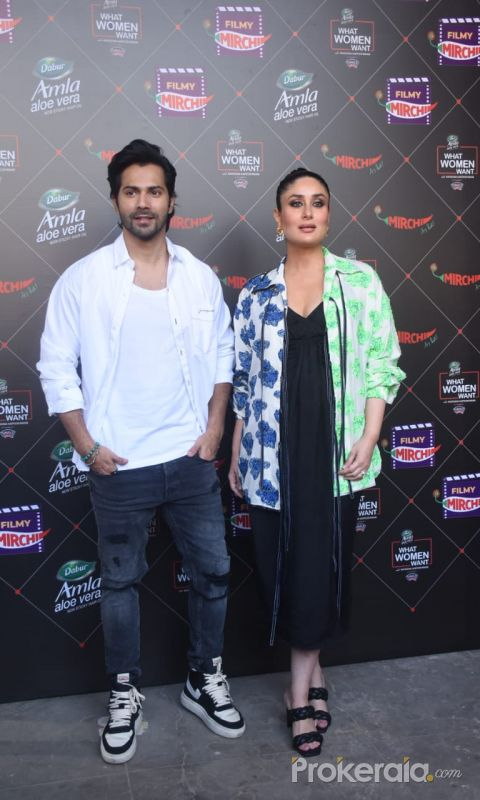 Varun Dhawan & Kareena Kapoor At Mehboob Studio In Bandra