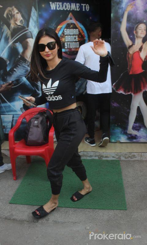 Mouni Roy Next To T-Series Office Dance Class